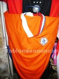 Deportes de Equipo: Uniformes de futbol $80.00 pesos medias short y camisa