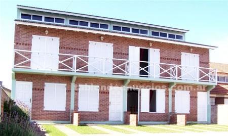 Casas en Alquiler: Alquiler de triplex en la costa