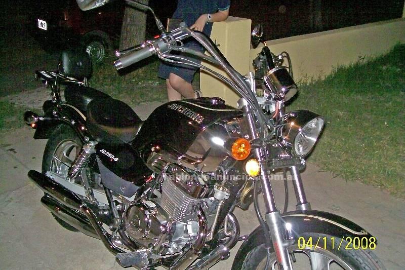 Motocicletas: Vendo moto jincheng 250cc