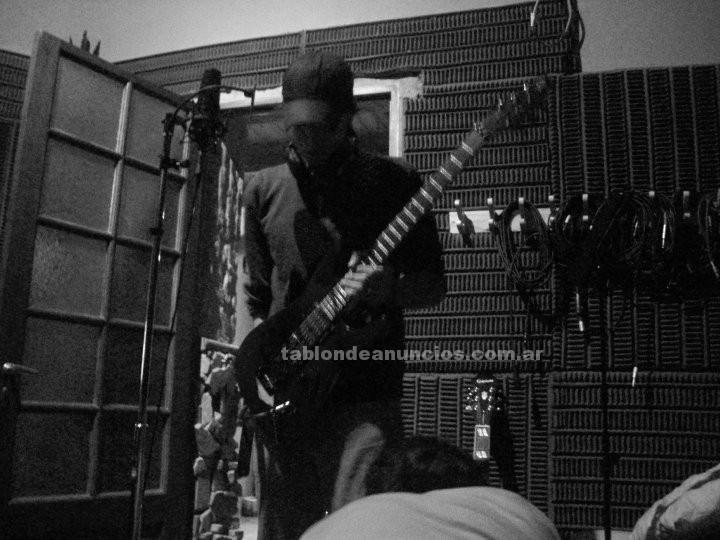 Formacion/cursos: Profesor de guitarra eléctrica y criolla. $35 (también a domicilio)