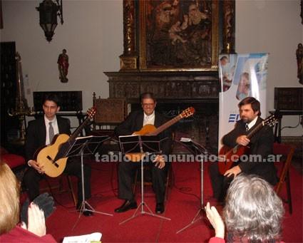 Otros: Concierto del trío de guitarras domine