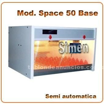 Varios: Incubadora mod. Space 50 base semi automática