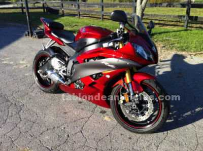 Motocicletas: Impecable yamaha yzf-r1 modelo seminueva